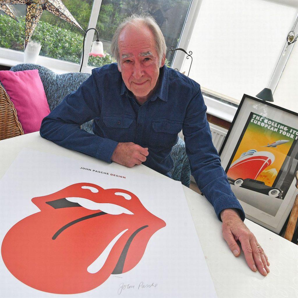 John Pasche, el creador del logotipo de los Rolling Stones, junto a su criatura.