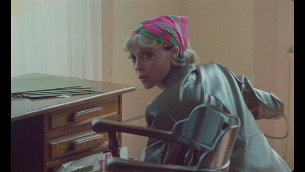 Fotograma del nuevo videoclip de St. Vincent.